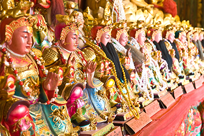 engage Taoist Priest to perform the ritual to send off the deity back to heaven.